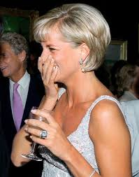 Diana wearing aquamarine ring